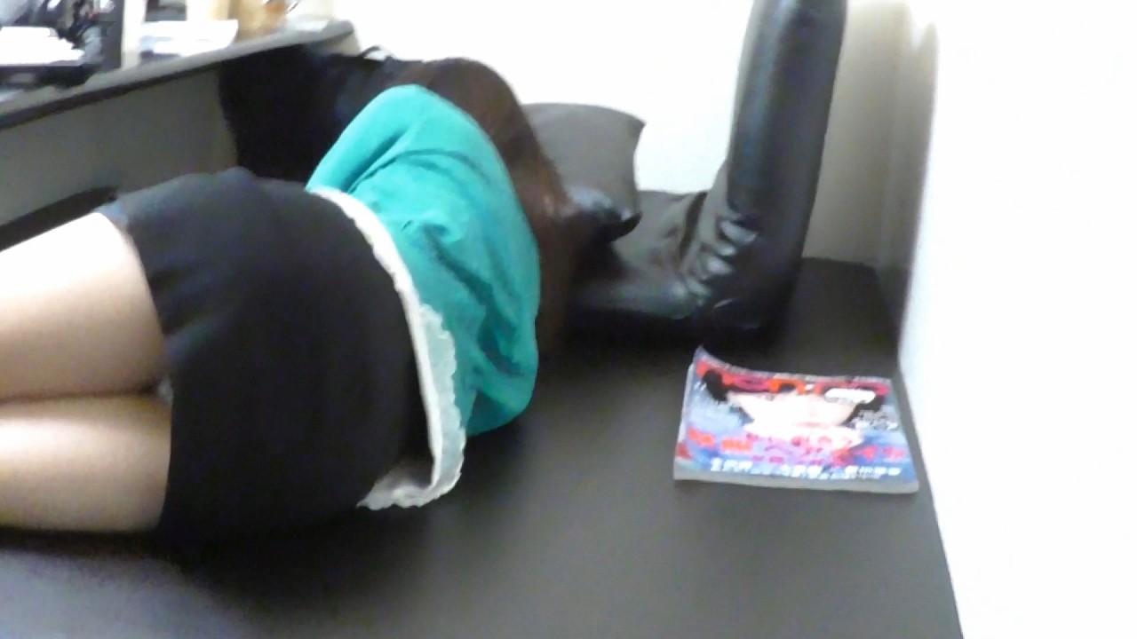 睡眠薬で眠った女の子